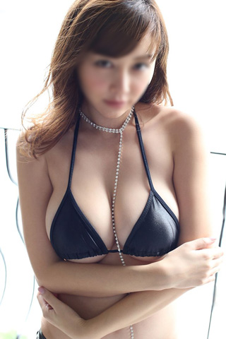 Extremely ADDICTIVE Asian Escort