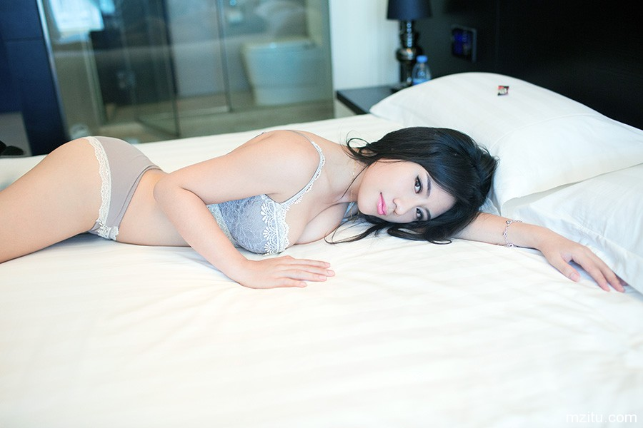 03t03 NYC Asian escort